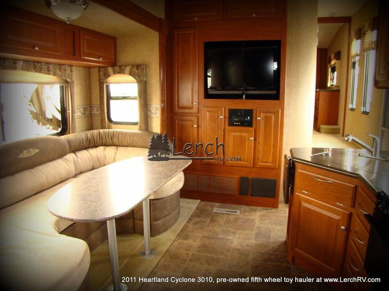 2011 Heartland Cyclone 3010 Fifth Wheel Toy Hauler For