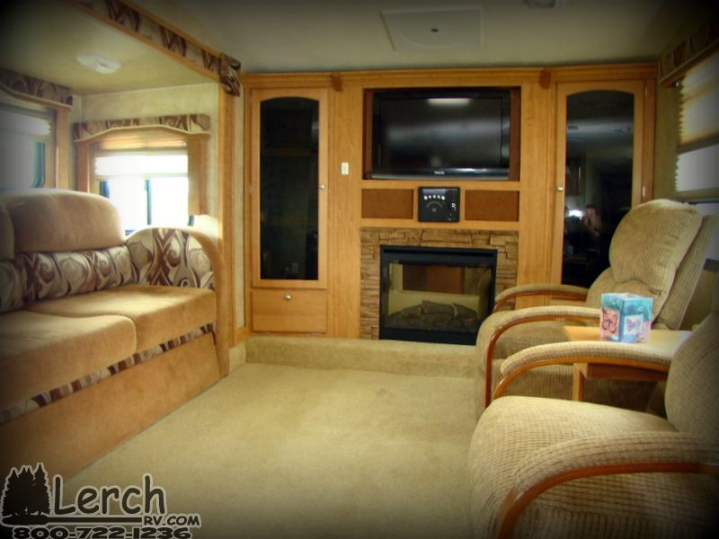 Front living room used 2011 forest river wildcat 343flr - Front living room fifth wheel used ...