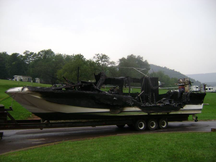 One_of_the_Burnt_Boats_at_Raystown_Lake.jpg